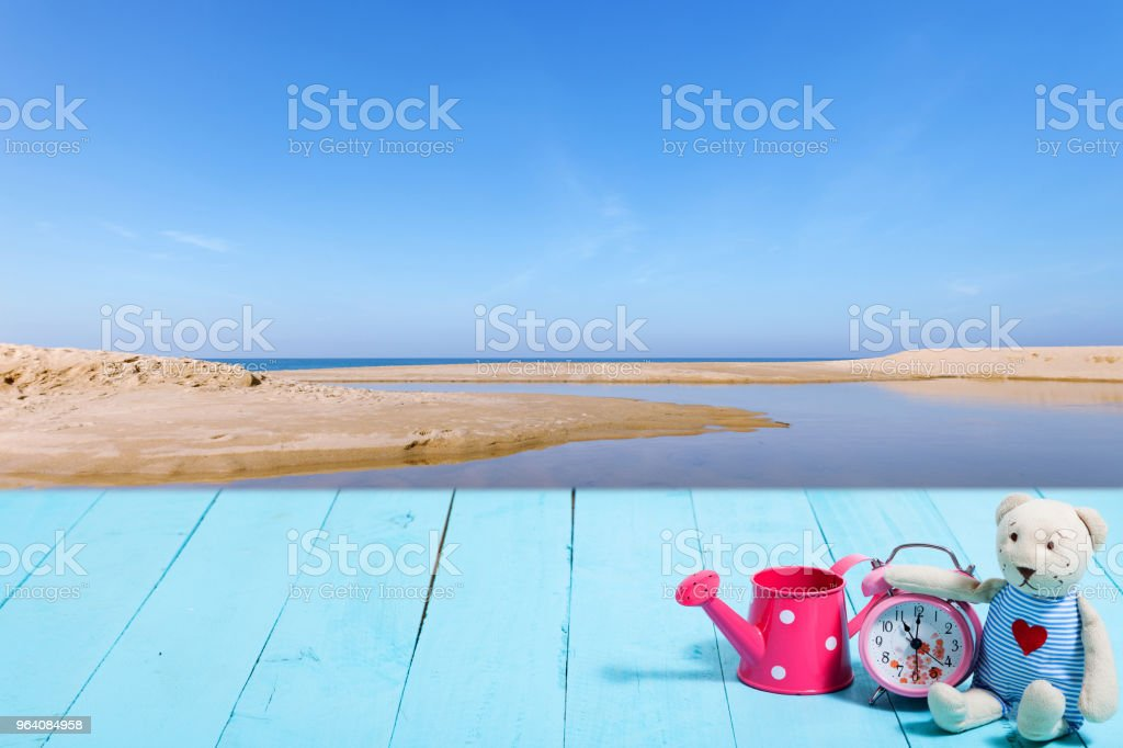 Blue wooden plank with beautiful classic alarm clock image for add text and display or montage your products. - Royalty-free Alarm Stock Photo