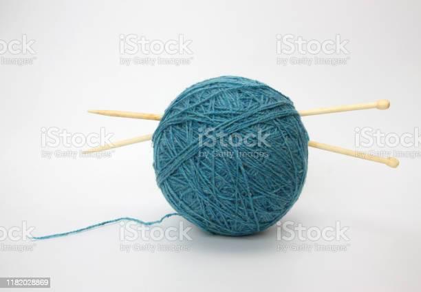 Blue wool and knitting needleson picture id1182028869?b=1&k=6&m=1182028869&s=612x612&h=mplp5otdjltl1c1qxuhjo09gq4p7 mi9zzvlvve1n4i=