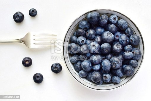 istock Blueberry bowl 946388118
