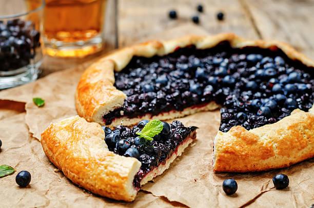 blueberry galette - crostata stock-fotos und bilder