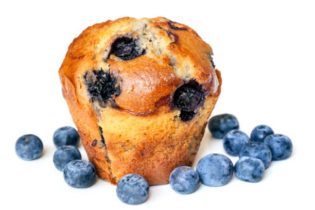blueberry muffin isolated on white - muffin foto e immagini stock