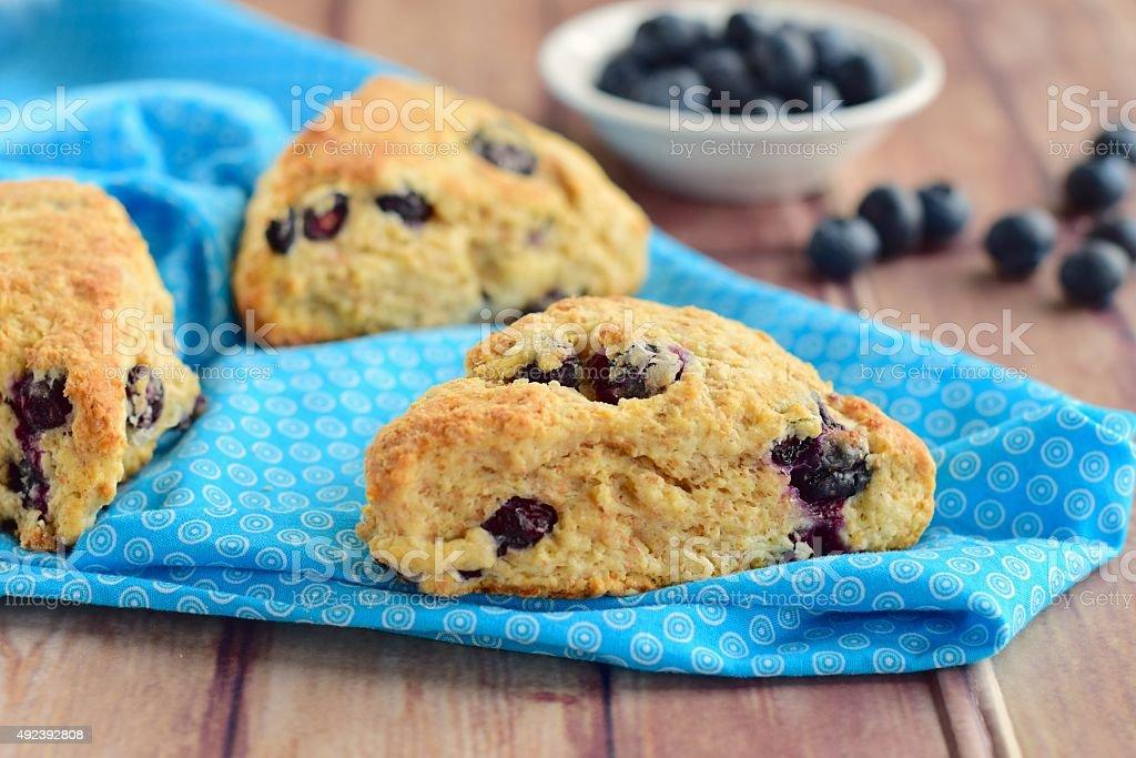 Blueberry scones - Royaltyfri Blå Bildbanksbilder