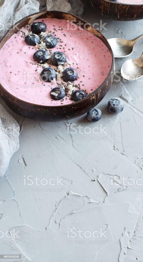 Tigelas de suco de mirtilo - Foto de stock de Abstrato royalty-free