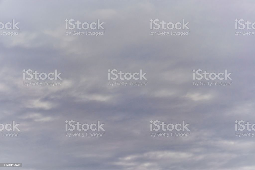 Blau-Grauer Himmel, Bildhintergrund mit Wolken bedeckt – Foto