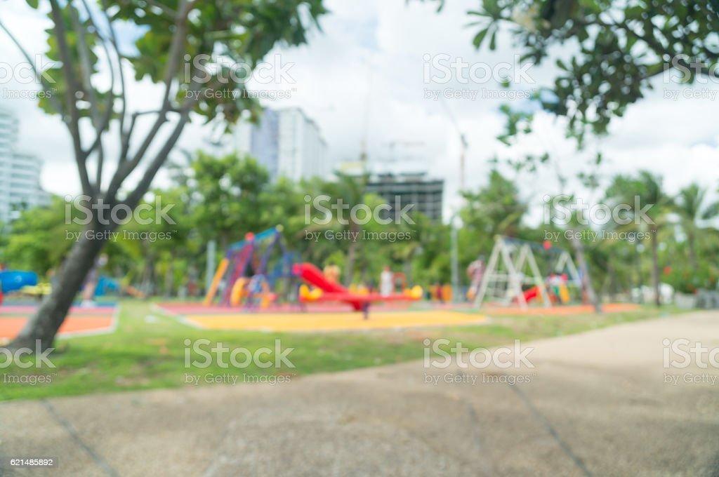 Blur farbenfrohen Spielplatz auf dem Hof im park. Lizenzfreies stock-foto