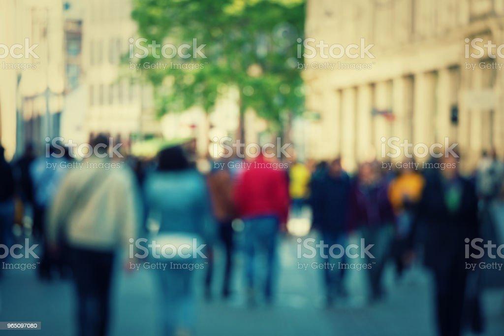 Blurred abstract people crowd zbiór zdjęć royalty-free