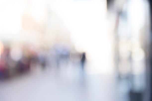 rozmyte tło, rozmycie świateł miejskich - selektywna głębia ostrości zdjęcia i obrazy z banku zdjęć