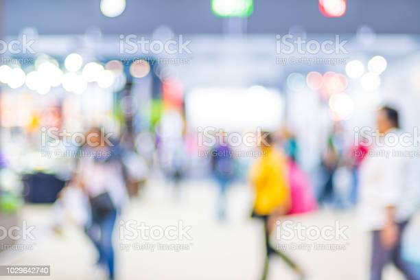 Blurred background crowd of people shopping in event expo trade fair picture id1029642740?b=1&k=6&m=1029642740&s=612x612&h=eyag6m0sklixnmwkwczwkkya7ria2u0txwutk9szwqy=