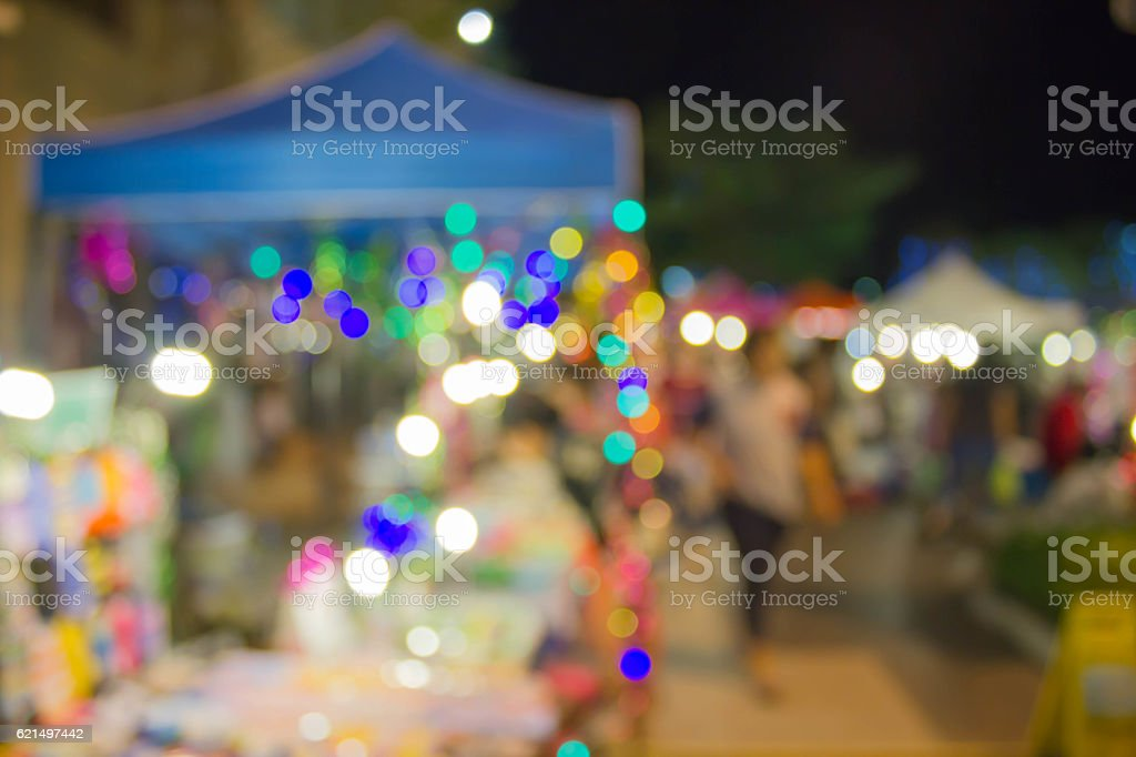 blurred background outdoor market at night foto stock royalty-free