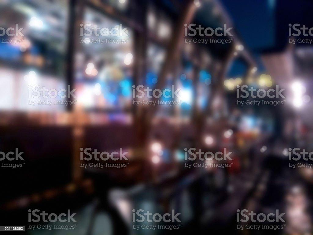 Sfocato bokeh &  ristorante con bar - foto stock