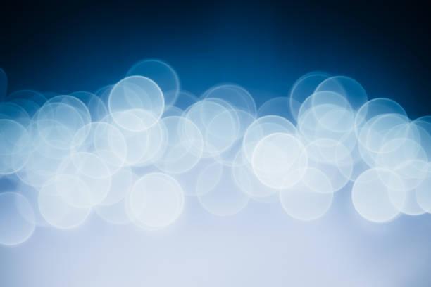 Verschwommene blaue und violette defokussierten leuchtet und funkelt Hintergrund – Foto