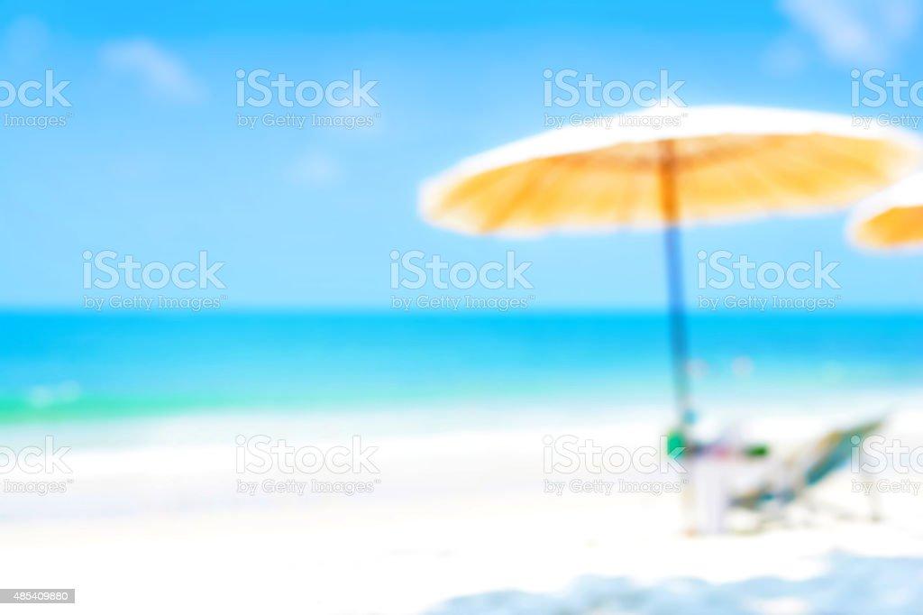 Sfocato Mare Blu E Spiaggia Di Sabbia Bianca Sfondo Estivo