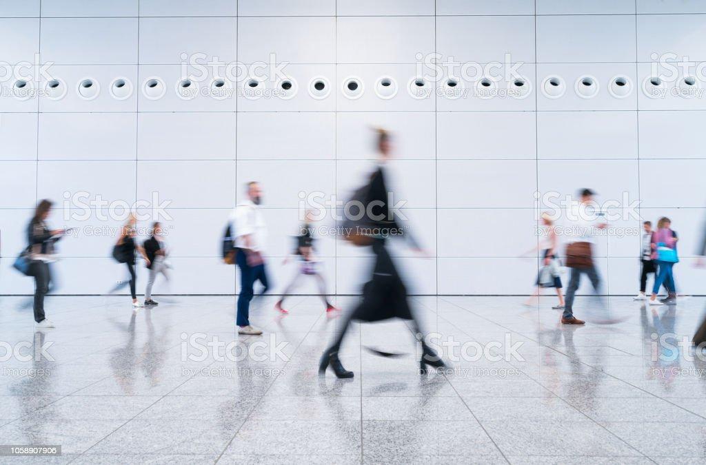 verschwommene Geschäftsleute - Lizenzfrei Anzug Stock-Foto