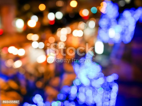 istock Blurred colorful Christmas decoration 893455892
