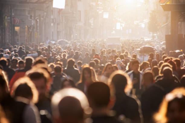 Verschwommene Menge unerkannt auf der Straße – Foto