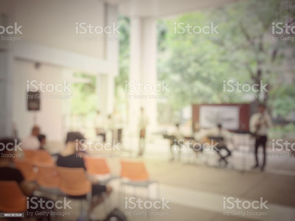 blurred image of graduate student playing jazz music at University or high school when Audiences standing for view. learner are show music performance concept zbiór zdjęć royalty-free
