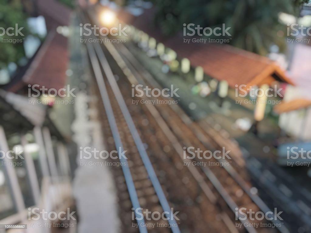 Bulanık görüntü eski Tren İstasyonu gece zamanında. bir tren istasyonunda Asya arka plan.  toplu taşıma sistemi Bangkok Tren stok fotoğrafı