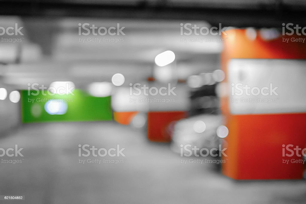 Blurred image Parking garage, interior shot of multi-story car p foto stock royalty-free