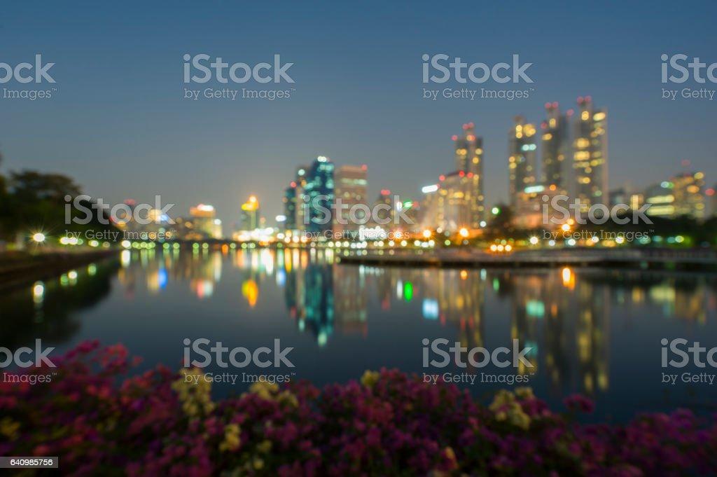 模糊圖像和軟散景的曼谷商業區在素坤逸路圖像檔