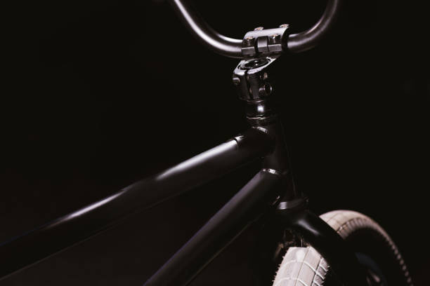 marco de la bicicleta de bmx - bastidor de la bicicleta fotografías e imágenes de stock