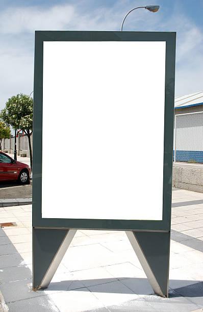 Board in der Straße – Foto