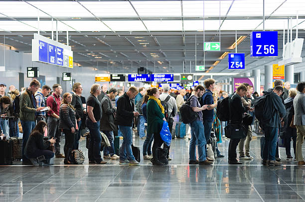 boarding on airport - airport check in counter stock pictures, royalty-free photos & images