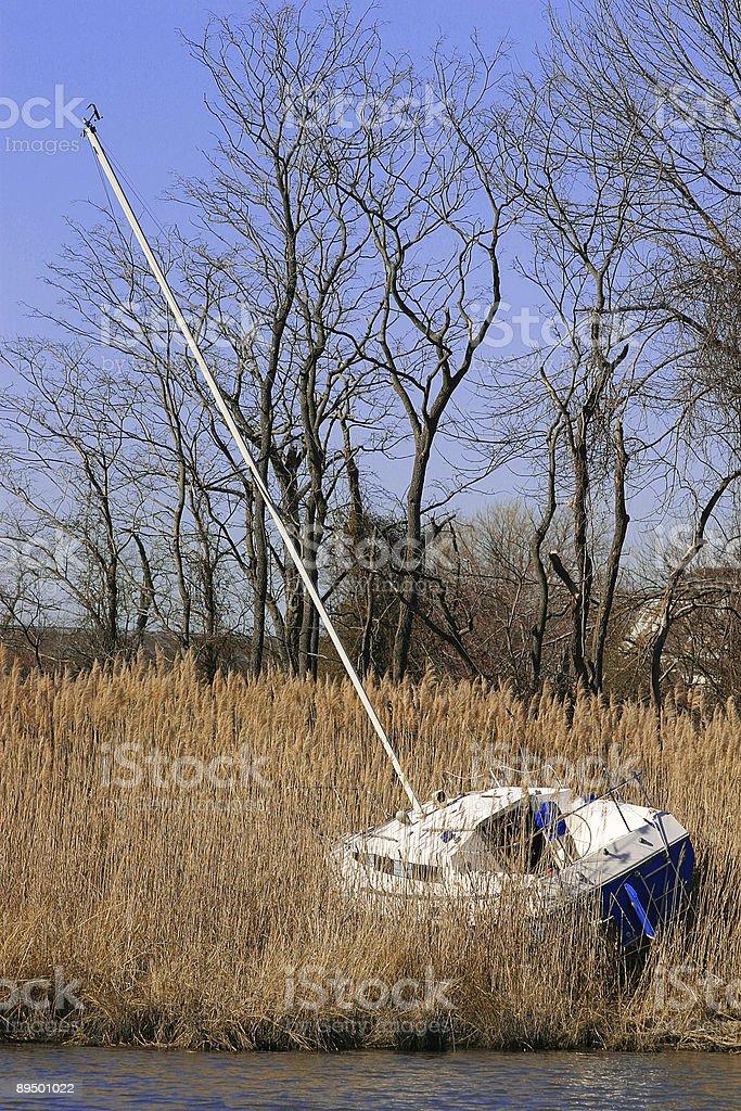 Boat Beached royaltyfri bildbanksbilder
