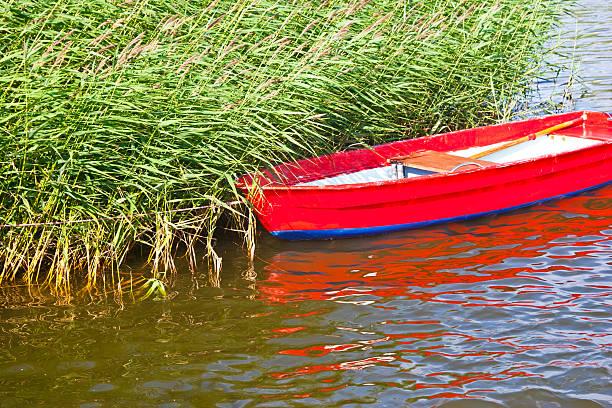 """boot im """"reeds"""" - kalifornien ostsee stock-fotos und bilder"""