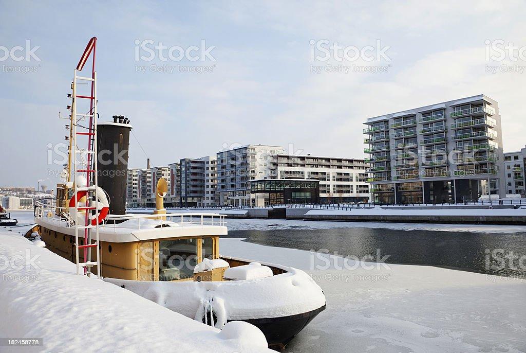 Barco en invierno de descanso foto de stock libre de derechos