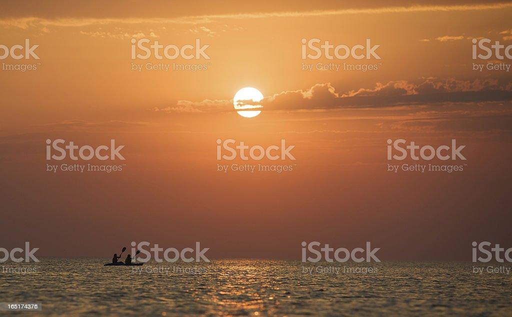 Boat racing bei Sonnenuntergang – Foto