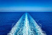 wake of a cruise ship