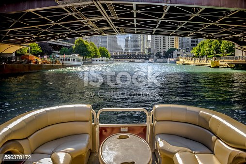 istock Boating on Chicago River 596378172