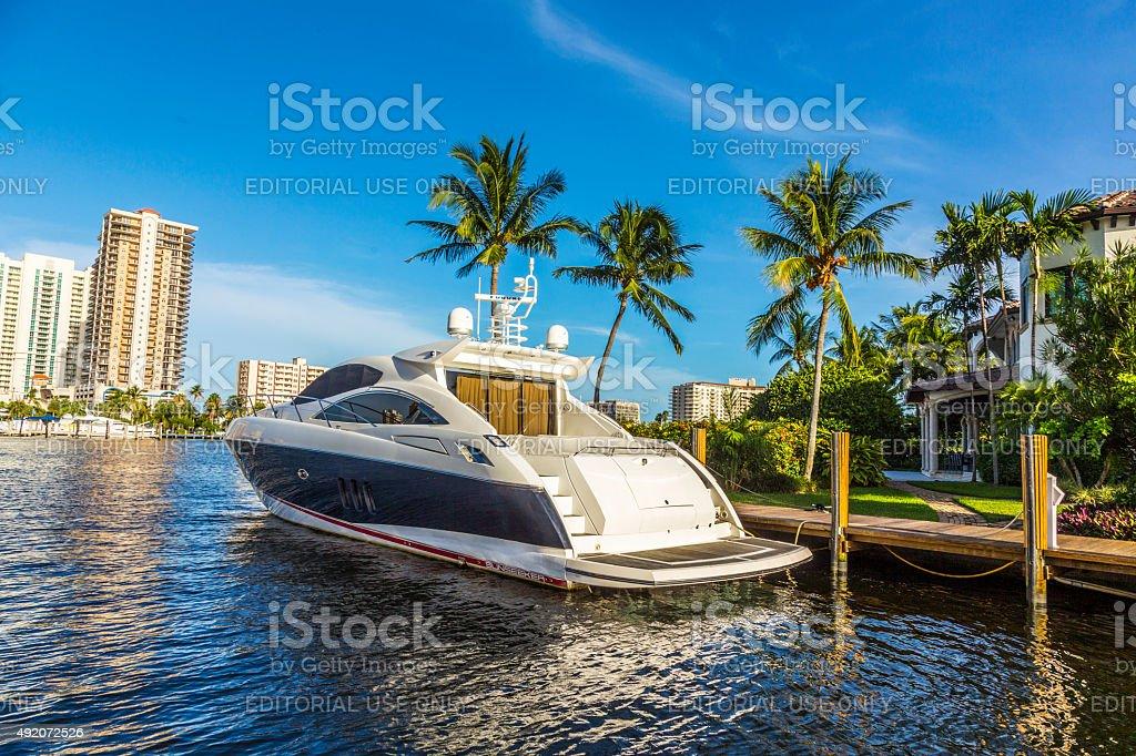 Barche sul lungomare case a Fort Lauderdale - foto stock
