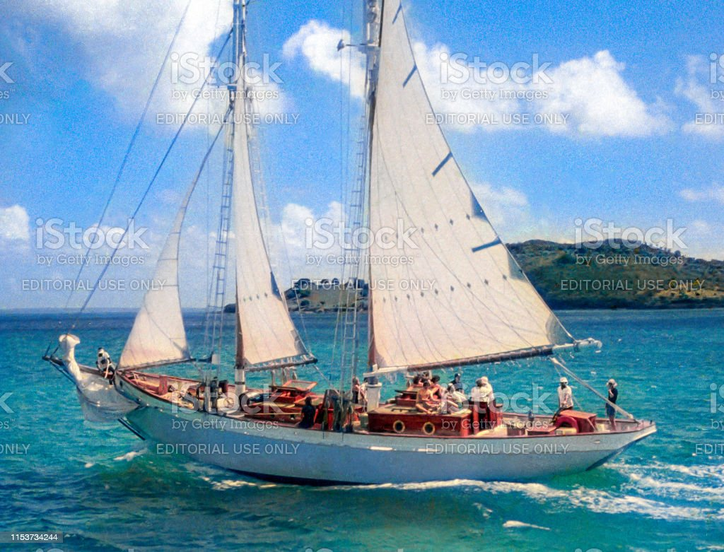 [Image: bob-dylans-schooner-water-pearl-under-sa...1153734244]