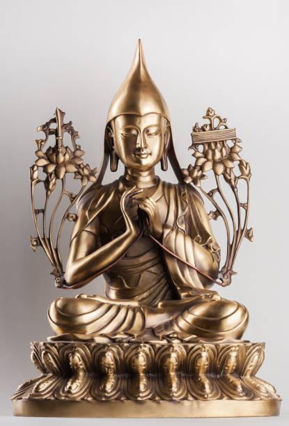 Bodhisattva Avalokiteshvara una de bronce. - foto de stock