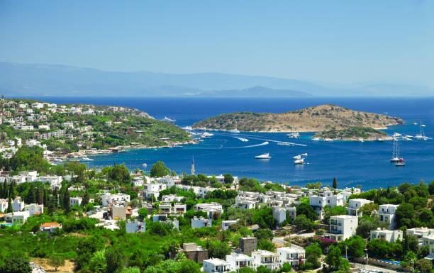 보드룸은 터키 남부 에게 해 해안에 있는 마을로, 무글라에서 전 세계에서 온 관광객들에게 인기가 있습니다. - 무글라 주 뉴스 사진 이미지