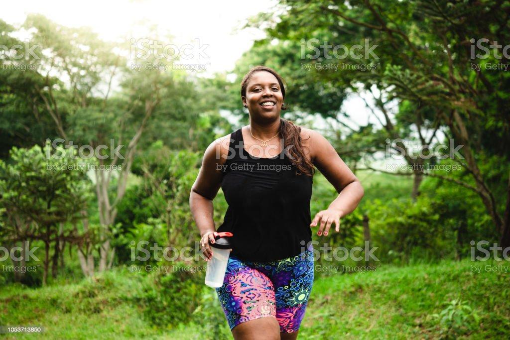 몸 긍정적인 여자 자연 운동 - 로열티 프리 30-34세 스톡 사진