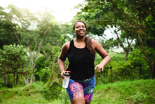 몸 긍정적인 여자 자연 운동 30-34세에 대한 스톡 사진 및 기타 이미지