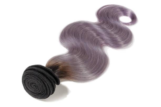 Noir de dip de ton corps vague deux avec faisceaux d'extension de cheveux ombre pourpre - Photo