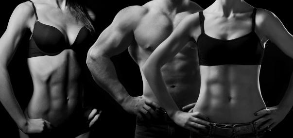 Bodybuilding Hombre Y Mujer Foto de stock y más banco de imágenes de Actividad