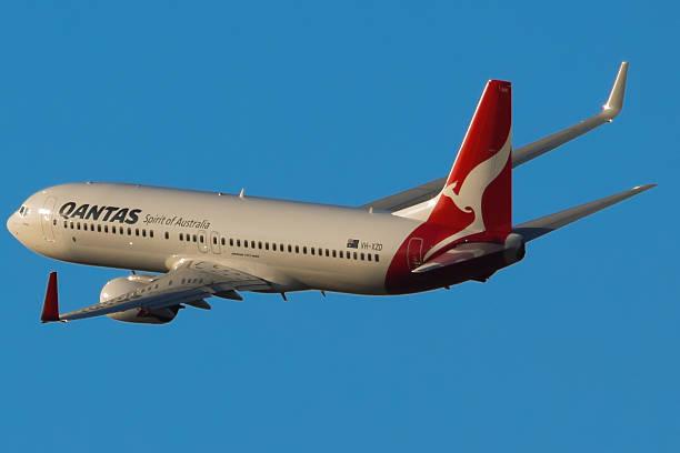 boeing 737-800 - qantas foto e immagini stock