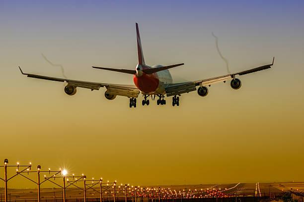 boeing 747-400 - qantas foto e immagini stock