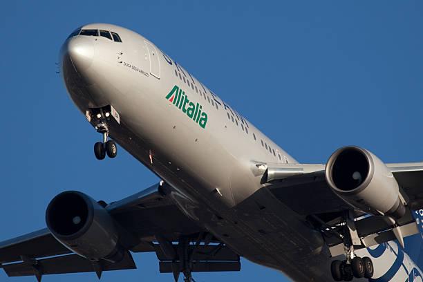 Boeing 767-300 AlItalia - foto de acervo