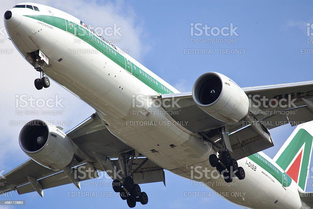 Boeing 77-200 Alitalia - foto stock