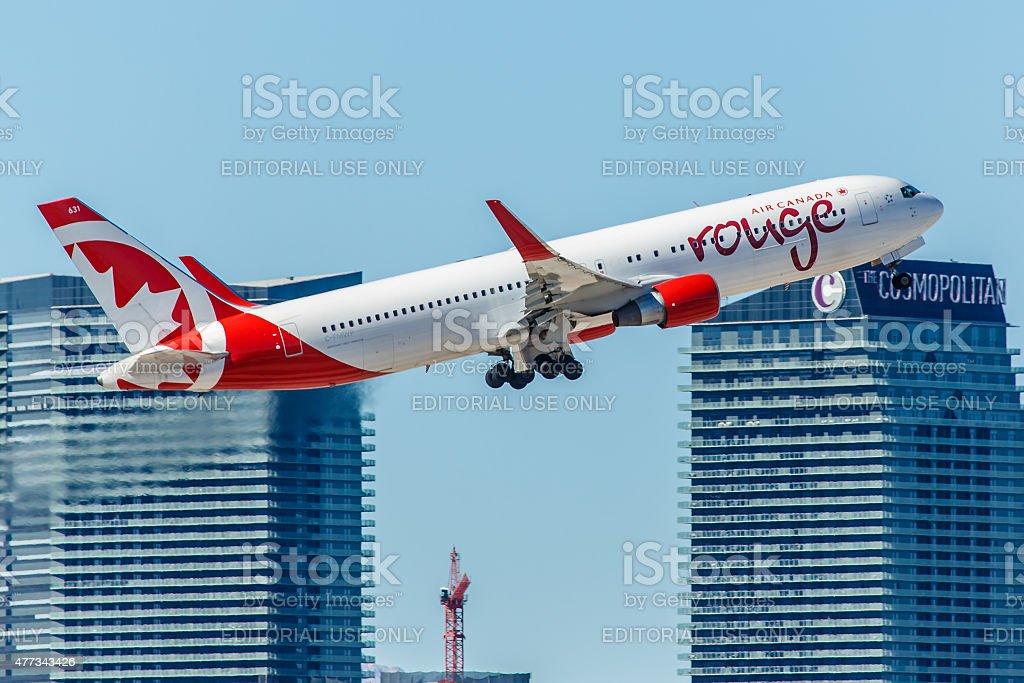 Boeing767 Air Canada Rouge qui décolle de l'aéroport McCarran - Photo