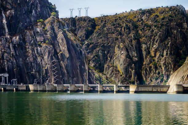 bog - barragem portugal imagens e fotografias de stock