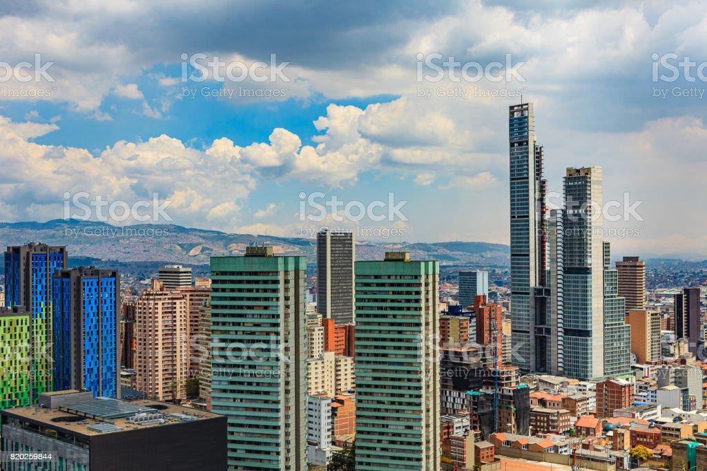 Bogota, Kolumbien - High Angle View of South American Capital CIty auf die Anden – Foto