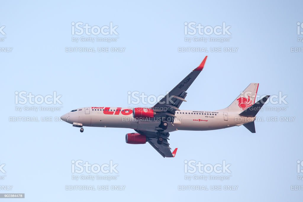 Boieng 737 - 800 HS-LUH of Thai Lion Air landing to runway 03L Don Mueang International Airport Thailand.HS-LUH is the first Boeing 737-800 of Thai Lion Air. stock photo
