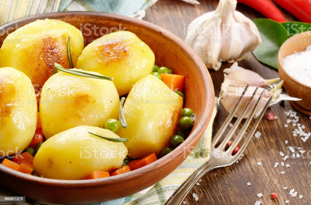 Boiled and baked potato and vegetables foto de stock royalty-free