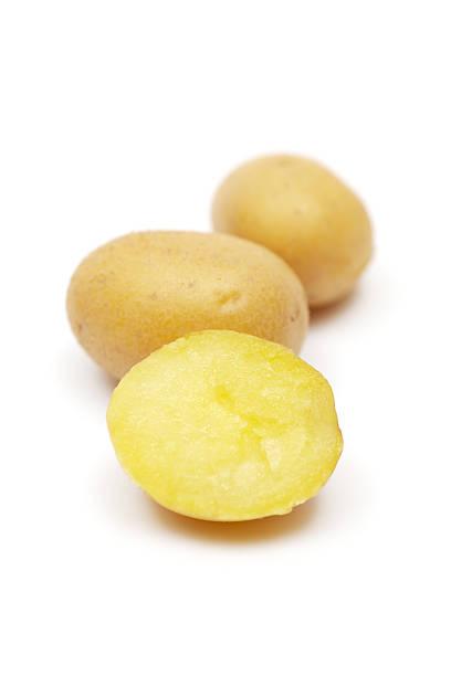 gekochten kartoffeln - salzkartoffel stock-fotos und bilder